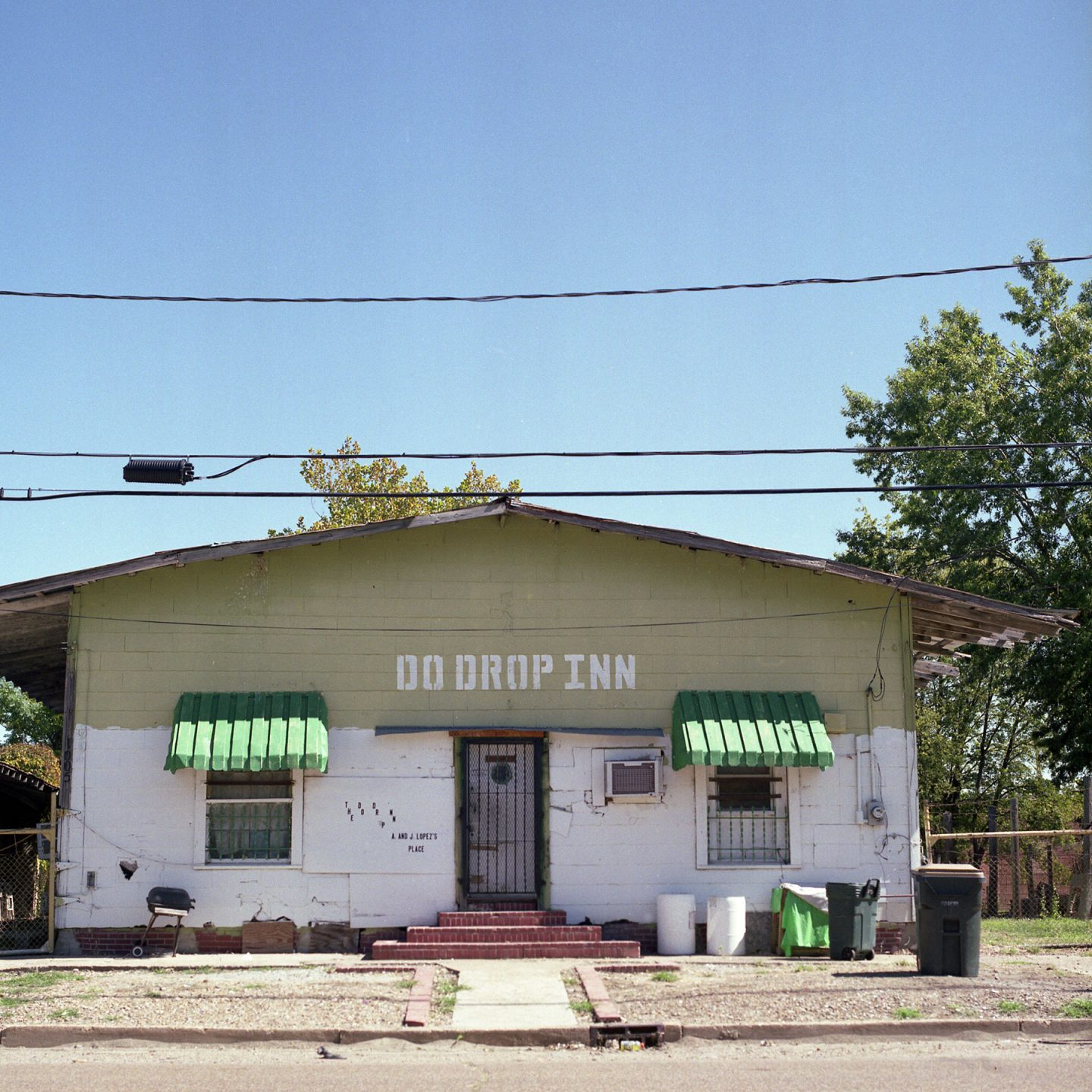 Cafe's and Juke Joints – Hasselblad 500cm FujiColor Pro 160S film