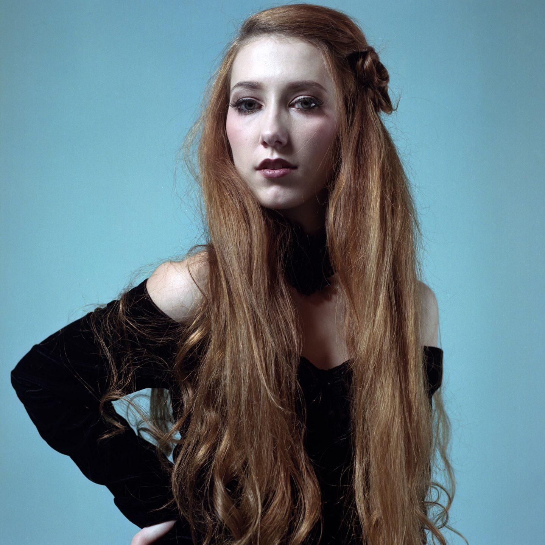 Daria Sessions – Hasselblad 500cm Kodak Portra film