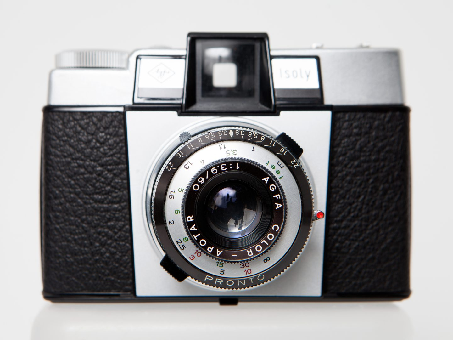 Agfa Isoly III medium format film Camera Review